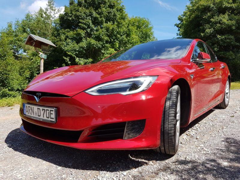 Tesla Model S mieten oder kaufen