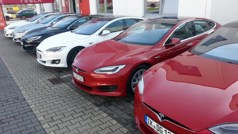 E-Autos Tesla voin nextmove