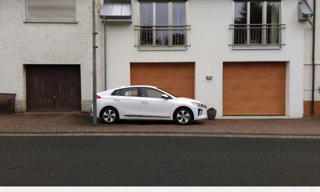 Mieter Daniel Weishaupt berichtet über seine Erfahrungen mit dem Hyundai IONIQ