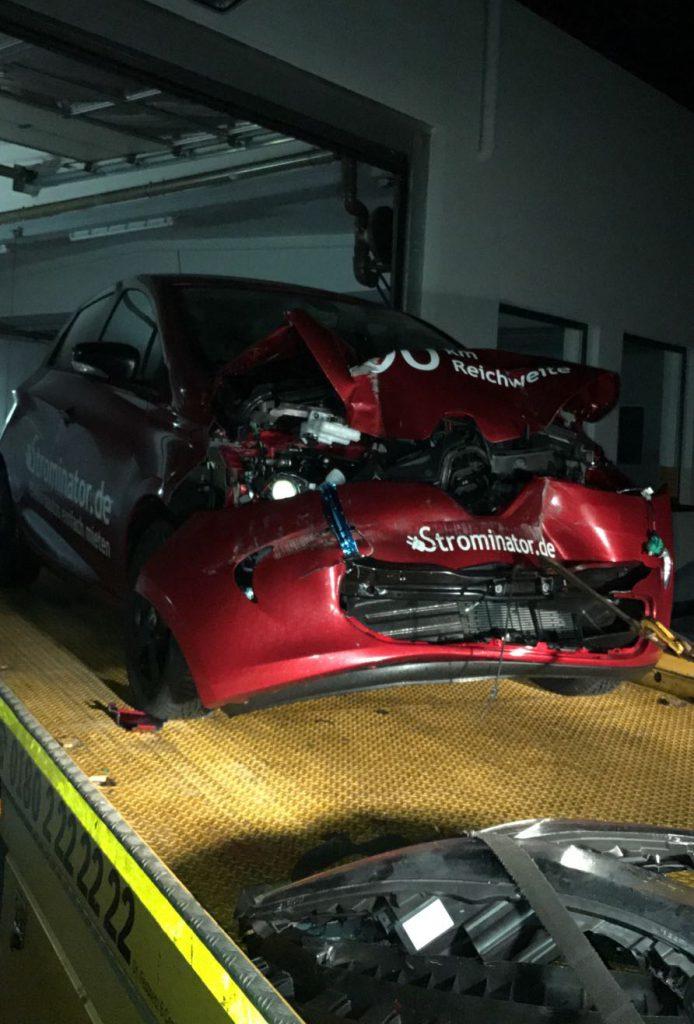 Strominator Elektroautos einfach mieten Renault Zoe Unfall Totalschaden