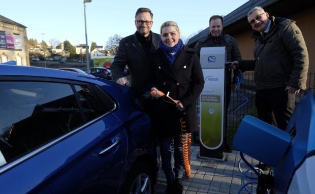 Mandy findet mit Strominator ihr Traum-E-Auto Hyundai IONIQ