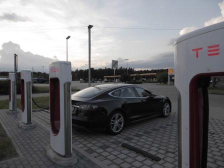 Erfahrungsbericht x.de TESLA mieten und Elektromobilität selbst erfahren