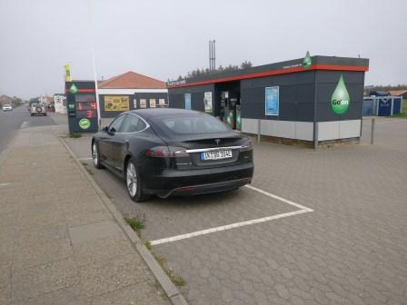 Erfahrungsbericht x.de TESLA mieten und am Supercharger kostenlos laden