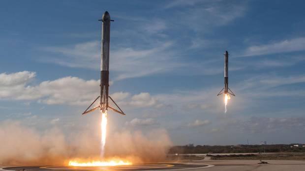 Falcon Heavy Booster kommen zuürck- Strominator
