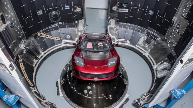 Tesla Roadster als Testballast in Falcon Heavy