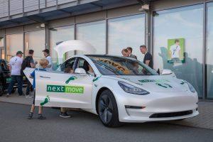 nextmove DAY Tesla Model 3 weiß