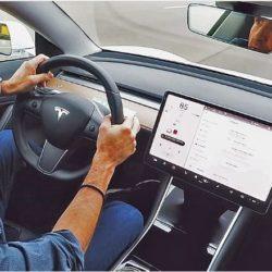 Thomas Geiger testet unser Tesla Model 3 für die Autozeitung