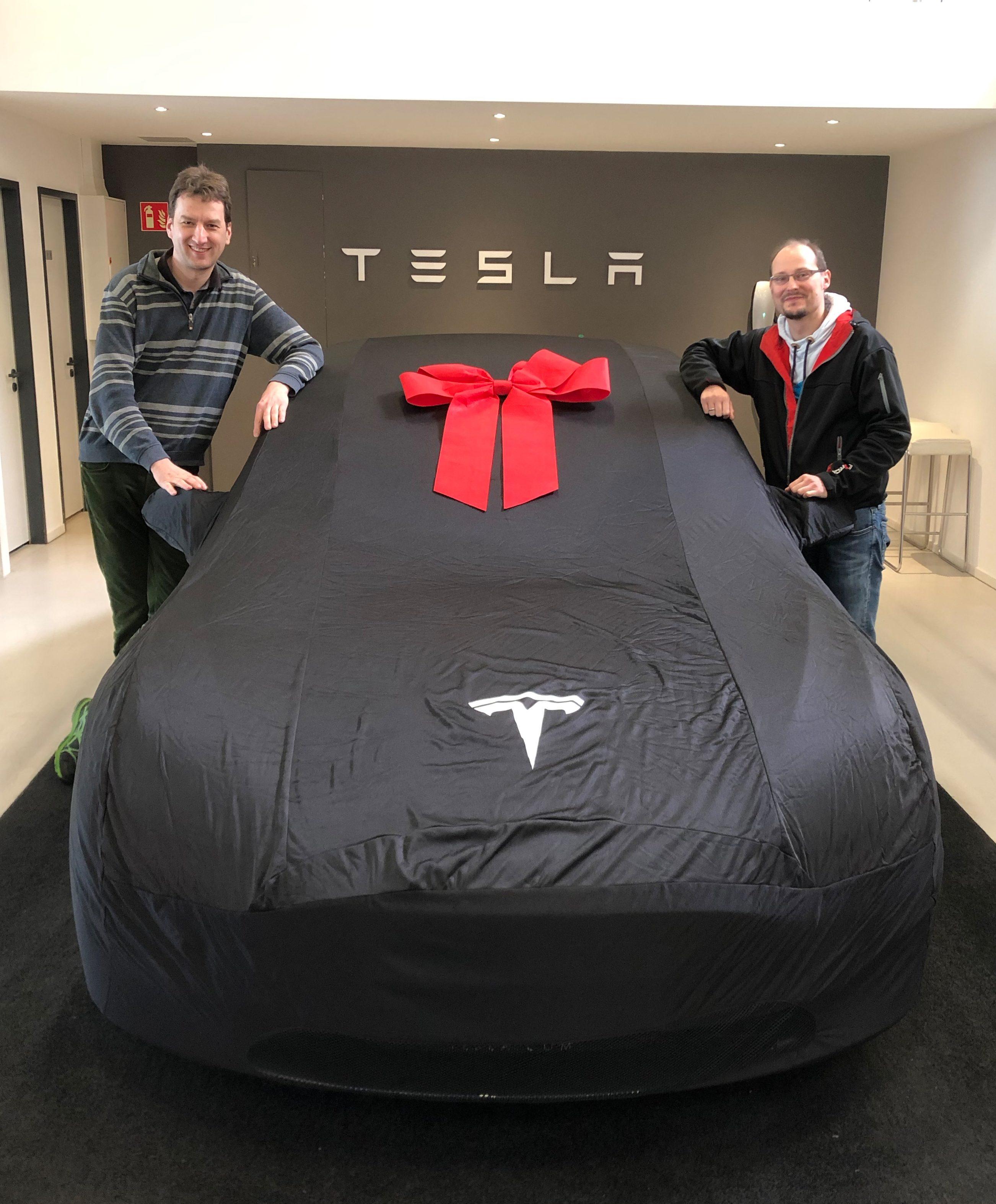 nextmove lüftet den Schleier: Tesla Model 3 vor der Einflottung