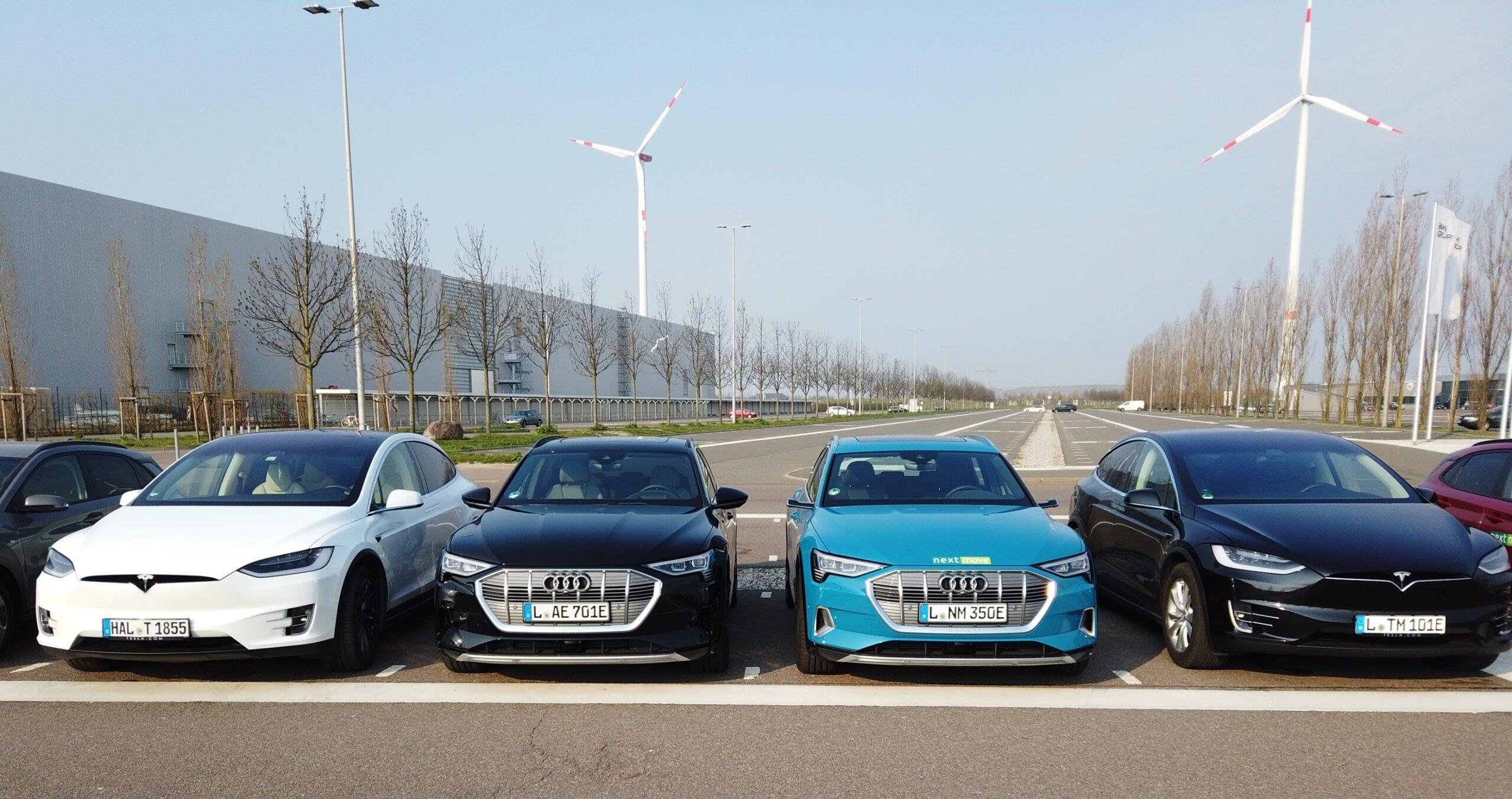 nextmove Autobahn Test - Tesla Model X vs. Audi etron