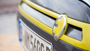 Mini Cooper SE Front Detail Logo nextmove