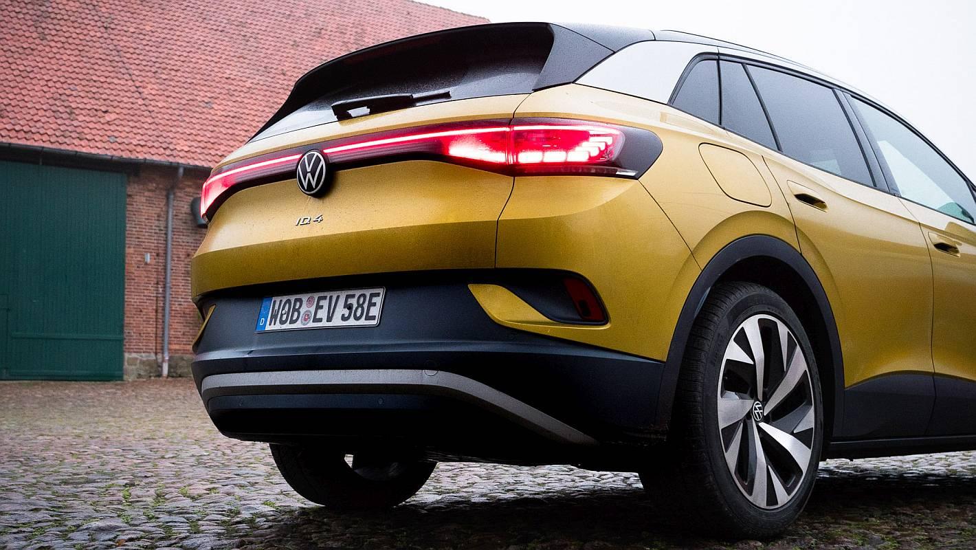 VW ID.4 Weltauto von Volkswagen Gelb - Hinteransicht