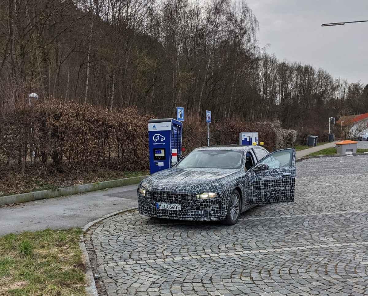 Elektroauto BMW i7 als Erlkönig